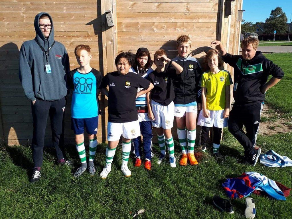 Spelarna i Hammarby IF rugby är samlade mellan två matcher